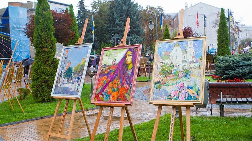 Художня виставка на святкуванні Дня Вінниці